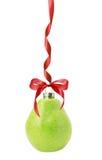Шарик рождества в форме груши изолированной на белой предпосылке Стоковое Изображение