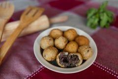 Шарик сыра и высушенный солнцем шарик мяса Стоковые Фото