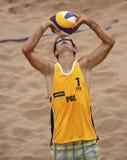 Шарик человека волейбола пляжа Польши Стоковое Изображение