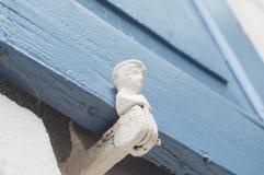 Шарнир на старых деревянных штарках Стоковое фото RF