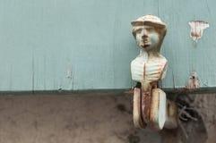 Шарнир на старых деревянных штарках Стоковое Изображение RF