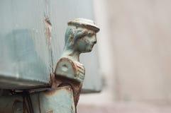 Шарнир на старых деревянных штарках Стоковые Фото