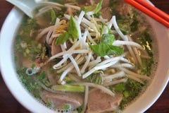 Шар горячего супа pho стоковая фотография