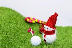 Шар для игры в гольф с украшением рождества на праздник игрока в гольф Стоковое фото RF
