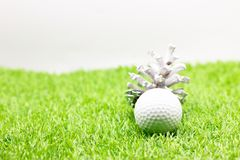 Шар для игры в гольф с украшением рождества на праздник игрока в гольф Стоковые Фото