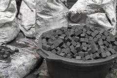 Шар кубов угля для кальяна Стоковое Изображение