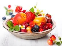 Шар смешанных ягод стоковая фотография