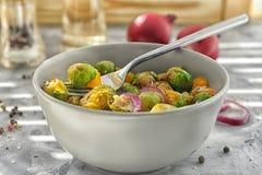 Шар с yummy brussel - ростками Стоковые Фотографии RF