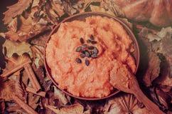 Шар тыквы осени Каша и тыквы тыквы на деревянном столе стоковое фото