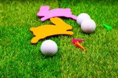 Шар для игры в гольф на празднике пасхи Стоковое фото RF
