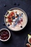 Шар smoothie банана голубики с смоквами и кокосом Стоковая Фотография RF