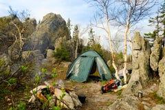 Шатер в горах стоковое изображение rf