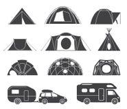 Шатры и караваны для располагаться лагерем в природе иллюстрация вектора