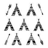 Шатры Teepee и собрание татуировки стрелок племенное Дизайн вигвама орнаментальный бесплатная иллюстрация