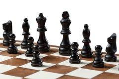 Шахматная доска с деревянными шахматными фигурами Стоковые Фотографии RF