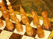 Шахматные фигуры выровнянные вверх Стоковые Фотографии RF