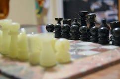 Шахмат доски вычисляет ферзь короля Стоковая Фотография RF