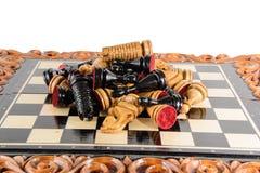 Шахмат почерните ответную часть потери highlight игры конца шахмат проверки дела доски monochrome метафоры над успехом стратегии  Стоковые Изображения