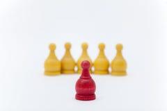 Шахмат сражения на белой предпосылке Стоковые Фотографии RF