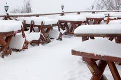 Шале и кабина лыжи зимы в горе снега Стоковое Изображение RF