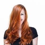 Шаловливая и счастливая женщина redhead Стоковые Изображения RF
