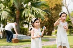 Шаловливые девушки Стоковая Фотография RF