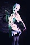 Шальная мертвая молчаливая медсестра холма с ножом в руке Стоковая Фотография
