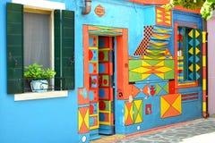 Шальной покрашенный дом в Burano, Венеции Стоковое Изображение RF