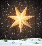 Шведская звезда рождества, сезонное сияющее украшение окна стоковые фотографии rf