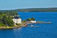 Шведские поселения на островках архипелага Стокгольма в Балтийском море, Швеции Стоковые Изображения RF