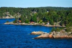 Шведские поселения на островках архипелага Стокгольма в Балтийском море, Швеции Стоковое Изображение RF