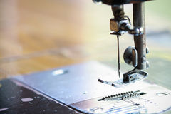 Швейная машина и деталь одежды, детали швейной машины и шить аксессуаров, старой швейной машины Стоковые Изображения RF
