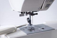 Швейная машина с инструментом отвертки Стоковая Фотография RF