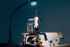 Швейная машина для кожи Стоковая Фотография RF