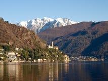 Швейцария - озеро Лугано. взгляд на Morcote. стоковое фото rf
