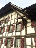 Швейцарская традиционная рамка тимберса стоковая фотография rf