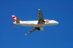 Швейцарский аэробус A320 авиакомпаний международных перевозок Стоковая Фотография