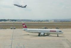 Швейцарский воздух таксируя к стробу Стоковое Изображение RF