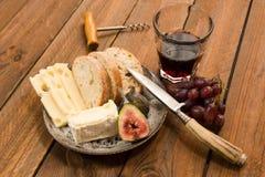Швейцарский и французский сыр Стоковая Фотография