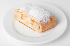 Швейцарский крен на блюде Стоковые Фото