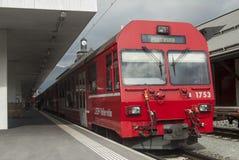 Швейцарское узкое железнодорожное rhb Стоковая Фотография RF