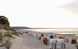 Шезлонги на Балтийском море стоковые изображения