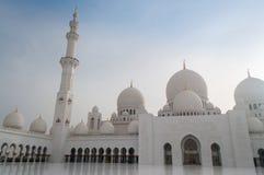 Шейх Zayed Грандиозн Мечеть в Абу-Даби, столице ОАЭ стоковое изображение rf
