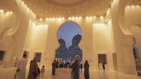Шейх Zayed Грандиозн Мечеть одно из 6 самых больших видео отснятого видеоматериала запаса мечетей в мире видеоматериал