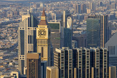 Шейх Zayed Дорога небоскребов и дорога финансового центра в Дубай, ОАЭ Стоковые Фото