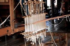 шелк myanmar тени озера inle фабрики стоковое фото