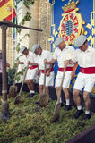 Шерри, Испания - 10-ое сентября 2013: Традиционные виноградины stomping Стоковые Изображения RF