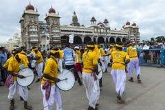 Шествие Dasara от дворца стоковое изображение