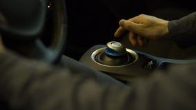 Шестерни водителя электрического автомобиля перенося, работая умная автоматическая, современная технология акции видеоматериалы