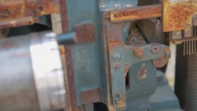 Шестерни от старого механизма акции видеоматериалы